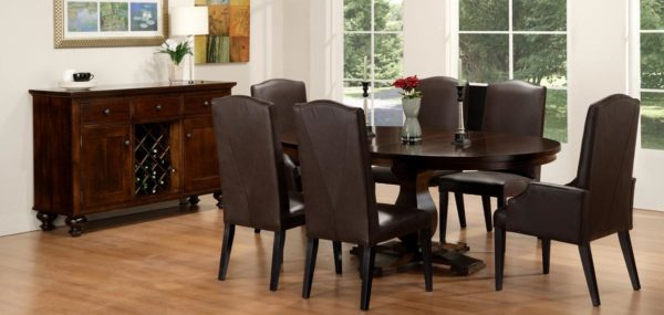 Georgetown Round Table Dining Set