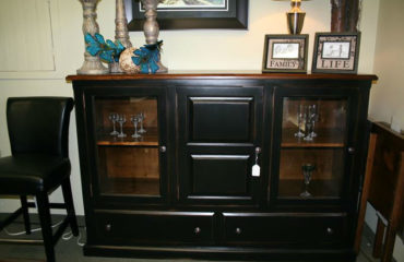 Hockley 2-Drawer 3-Door Sideboard
