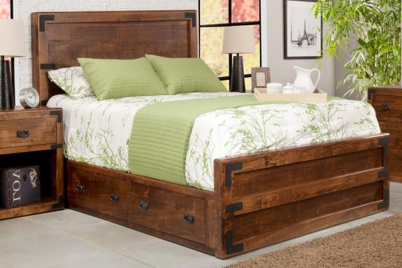 Saratoga 4-Drawer Storage Platform Bed with Low Footboard (Queen)
