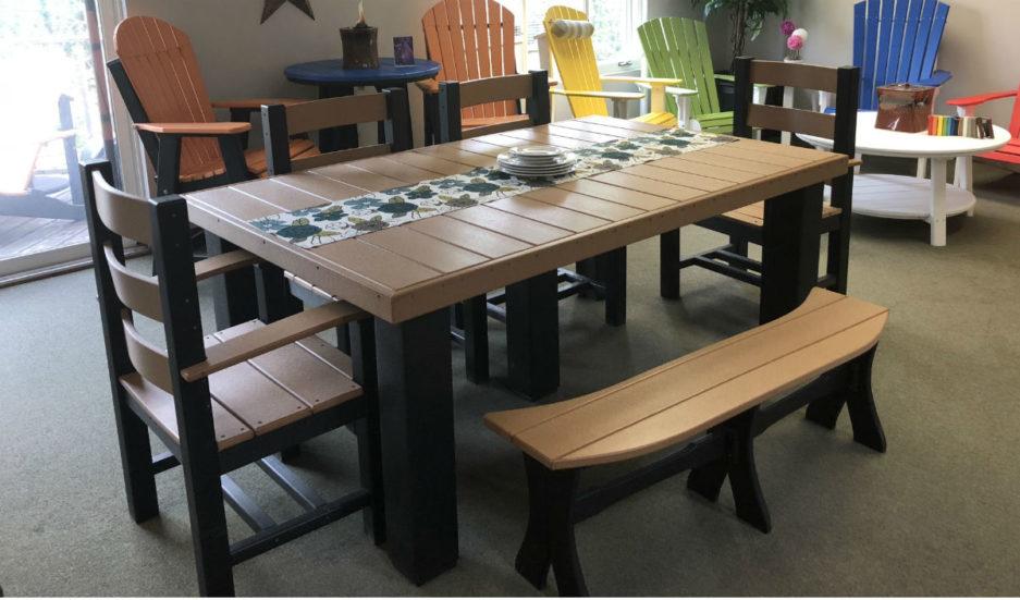 Floor Model Contemporary Patio Dining Set