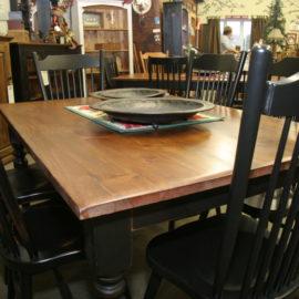 Mini Regal Harvest Table
